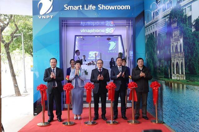Khai trương điểm trải nghiệm 5G VinaPhone tại TP Hà Nội