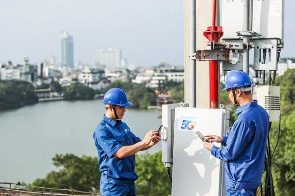 VinaPhone lắp đặt thiết bị BTS di động 5G tại TP HCM và Hà Nội